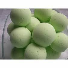 Mint green bath bomb to smooth and soothe your skin